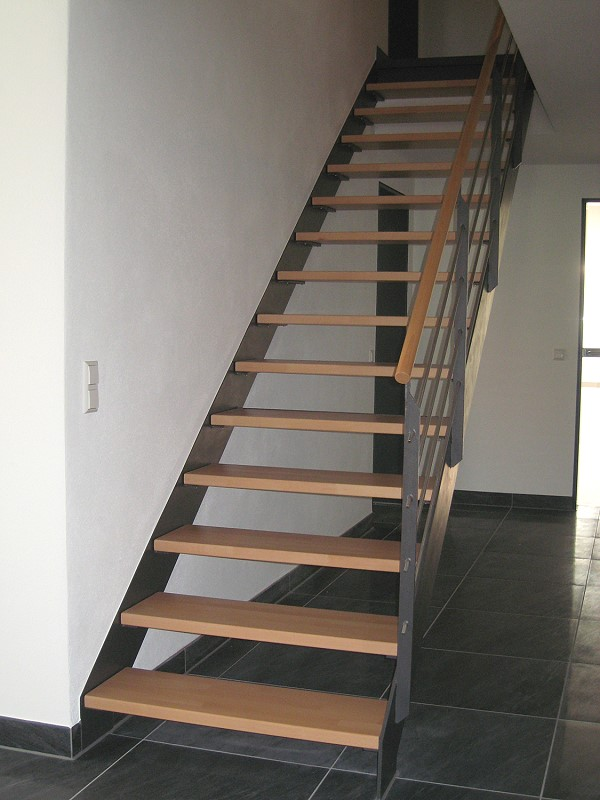h und r treppenstufen holztreppenstufen in 88518 herbertingen. Black Bedroom Furniture Sets. Home Design Ideas